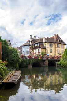 France, Colmar, Old town, Bridge and half-timbered houses in Little Venice - PUF01054