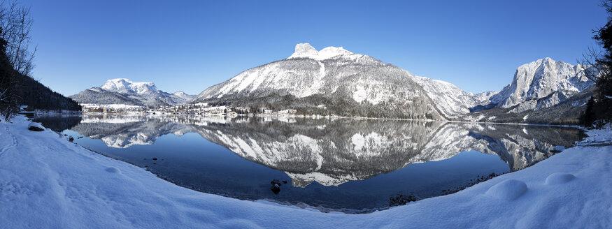 Austria, Styria, Salzkammergut, Altaussee, Altausseer See, Loser, Trisselwand right - WWF03996