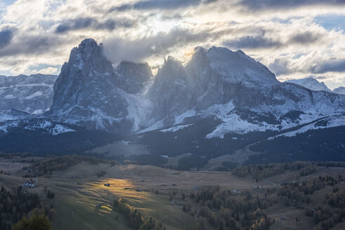 Italy, South Tyrol, Seiser Alm, Langkofel and Plattkofel at sunrise - LOMF00679
