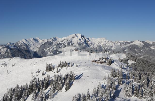 Austria, Upper Austria, Salzkammergut, Gosau, Ski area Dachstein-West, View to Dachstein and Gosaukamm - WWF04049