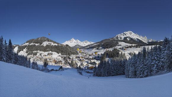 Austria, Salzburg State, Pongau, Filzmoos, hot air balloon week, Bischofsmuetze, Dachstein massif - WWF04086