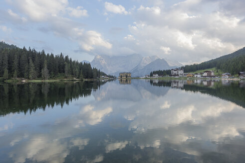 Italy, Alps, Dolomites, Lake Misurina - RPSF00106