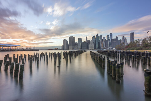 USA, New York City, Manhattan, Brooklyn, cityscape - RPSF00115