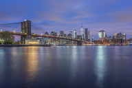 USA, New York City, Manhattan, Brooklyn, cityscape with Brooklyn Bridge at night - RPSF00139