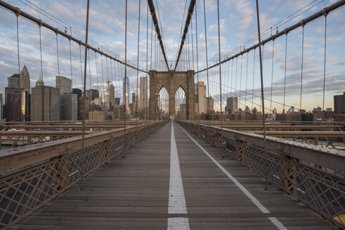 USA, New York City, Brooklyn Bridge - RPSF00145