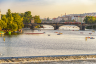 Czech Republic, Prague, cityscape with bridge and boats on Vltava - CSTF01589