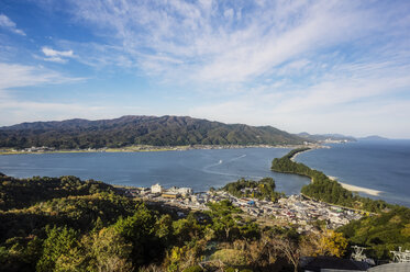 Japan, Kyoto Prefecture, view on Amanohasidate with sandbar and sea - THAF02090