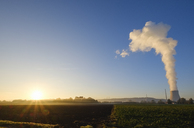 Germany, Bavaria, nuclear power plant Isar, cloud of steam emerging from cooling tower - SIEF07664
