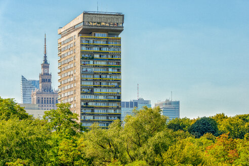 Poland, Warsaw, view to apartment tower - CSTF01624