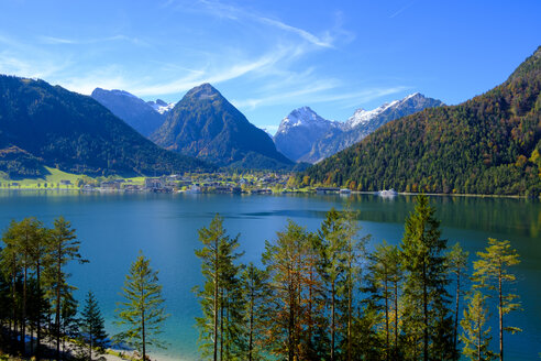 Austria, Tyrol, View to Achensee with Pertisau and Karwendel - LBF01730