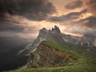 Italy, South Tyrol, Dolomites, St.Ulrich in Groeden, Seceda at sunrise - CVF00031