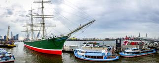 Germany, Hamburg, harbor with museum ship Rickmer Rickmers - PU01103