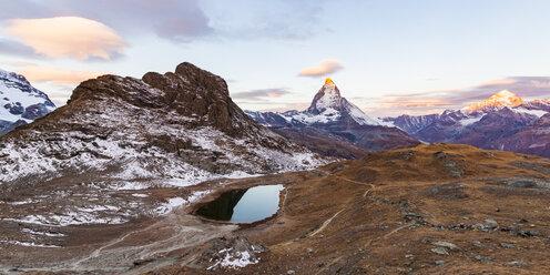 Switzerland, Valais, Zermatt, Matterhorn, Lake Riffelsee in the morning - WDF04332