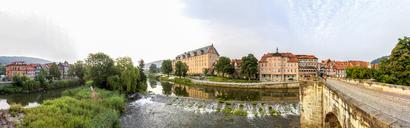 Germany, Lower Saxony, Hannoversch Muenden, Welfenschloss Muenden, old bridge and Wanfrieder Schlagd - PUF01148