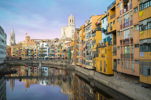 Spain, Catalunya, Girona, Cathedral and houses along the River Onyar in the evening - GEMF01845