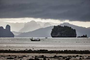 Thailand, Ko Yao Yai, silhouette of fishing boat on the sea - RORF01095