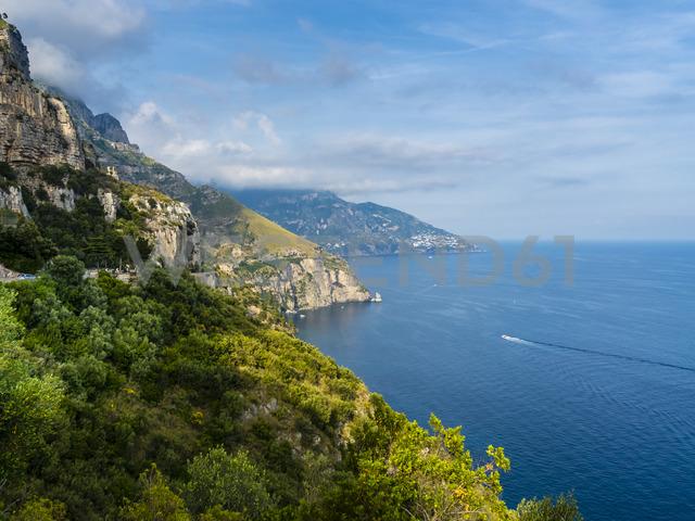 Italy, Campania, Gulf of Salerno, Sorrent, Amalfi Coast, Positano, cliff coast - AMF05609