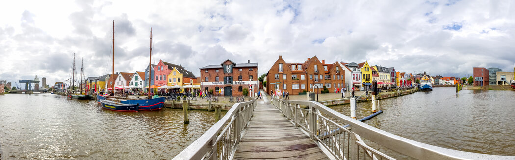 Germany, Schleswig-Holstein, Husum, Old town, harbour - PUF01171