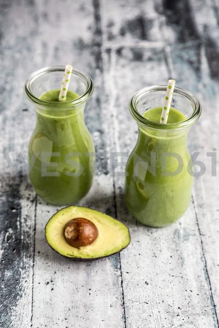 Avocado smoothie, green smoothie with cucumber, apple, celeriac - SARF03513