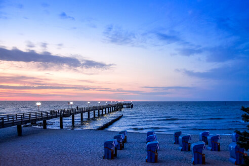 Germany, Mecklenburg-Western Pomerania, Baltic sea seaside resort Kuehlungsborn at sunset - PUF01216