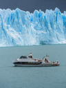 Argentina, Patagonia, El Calafate, Glacier Perito Moreno with excursion boat in the foreground - AMF05620