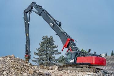 Germany, North Rhine-Westphalia, Immerath Demolition equipment, demolition of a church - FRF00631