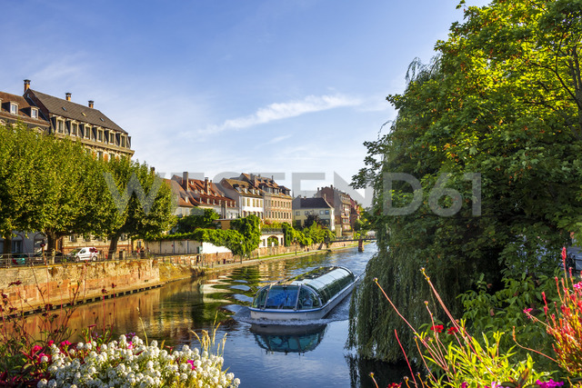France, Alsace, Strasbourg, Old town, tourboat - PUF01277