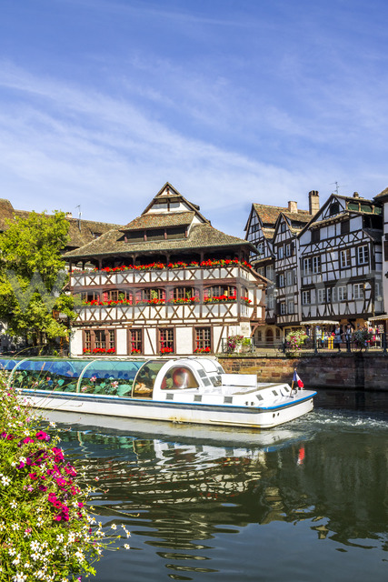 France, Alsace, Strasbourg, Old town, tourboat - PUF01280