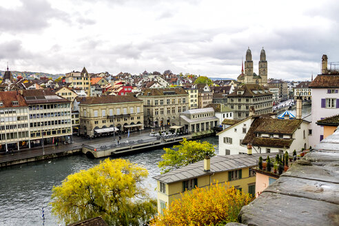 Switzerland, Zurich, view to the city with Great Minster and Limmat River - PUF01307