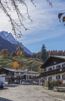 Germany, Bavaria, Garmisch-Partenkirchen, Grainau in autumn - PVCF01287
