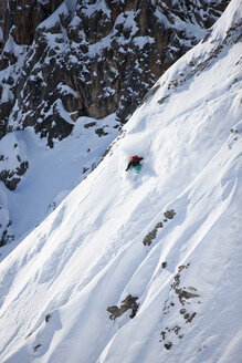 Austria, Tyrol, Arlberg, skier on a freeride in powder snow - CVF00137