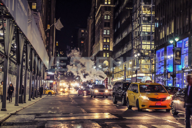 USA, New York City, street scene at night - SEE00018