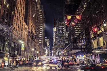 USA, New York City, street scene at night - SEEF00021