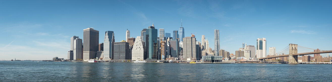 USA, New York City, skyline and Brooklyn Bridge as seen from Brooklyn - SEEF00024
