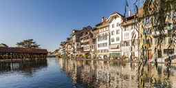 Switzerland, Canton of Bern, Thun, river Aare, old town with Aarequai and sluice bridge - WDF04431