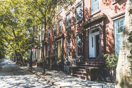 USA, New York, row of houses in Brooklyn - WPEF00093