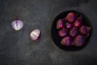 Bowl of red onions - LVF06686
