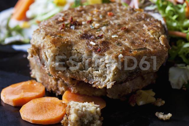Veggie burger, close-up - CSF28902