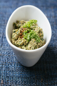 Homemade kale and walnut pesto - HAWF00987