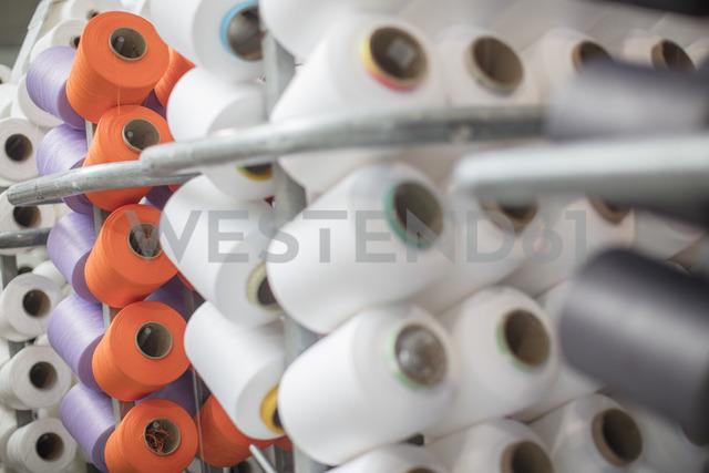 Different cotton reel - ZEF14992