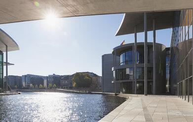 Germany, Berlin, Regierungsviertel, Paul-Loebe-Building and Marie-Elisabeth-Lueders-Building at Spree river - GWF05439
