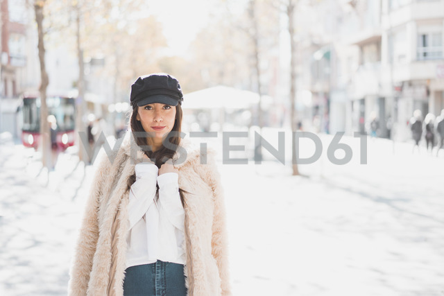 Portrait of stylish young woman in the city - AFVF00013