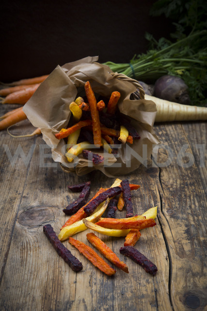 Organic beetroot, carrot and parsnip fries - LVF06711