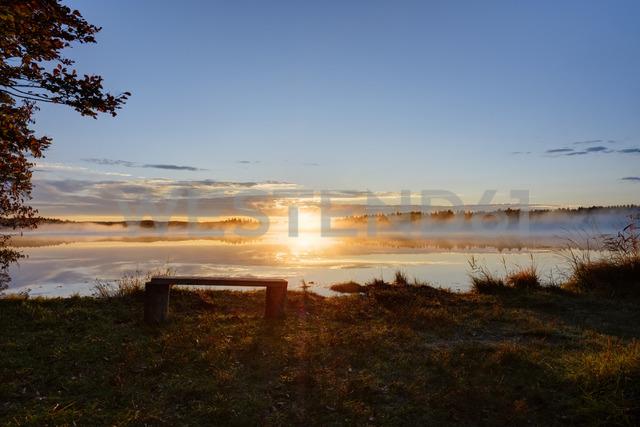 Germany, Bavaria, Upper Bavaria, Sachsenkam, Lake Kirchsee at sunrise - SIEF07729