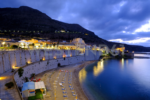 Italy, Sicily, Trapani, Castellammare del Golfo, promenade and beach in the evening - LBF01777