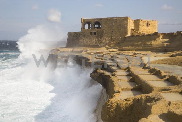 Malta, Gozo, salt pans and house - FCF01357