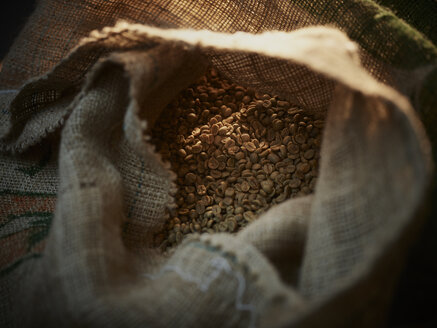 Roasted coffee beans in a gunny bag - CVF00173