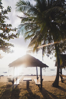 Thailand, Phi Phi Islands, Ko Phi Phi, beach resort in backlight - KKAF00890