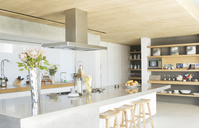 Counter top in modern kitchen - CAIF02738