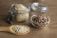 Quinoa flakes, quinoa graines and puffed quinoa - EVGF03294